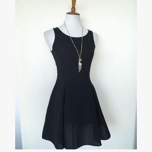 LITTLE BLACK MINI H&M DRESS